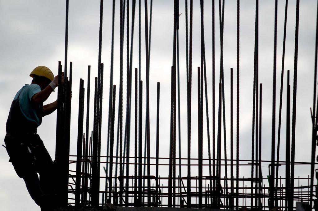 Uravnilovko bi sindikati reševali drugače kot delodajalci