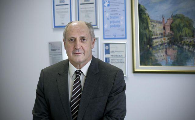 <strong>Rudi Dolšak</strong>, direktor ZD Ljubljana, opozarja, da anagžiranje zdravnikov iz tretjih držav ni odrešujoče. Ukrepati bi morali tudi drugače.