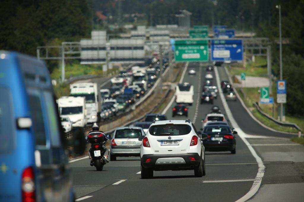 Na primorski avtocesni več zastoja
