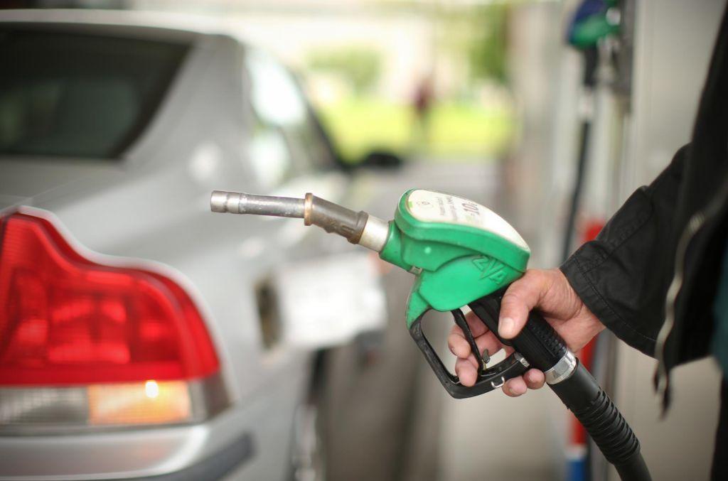 Cena 95-oktanskega bencina najvišja od avgusta, dizel malo cenejši