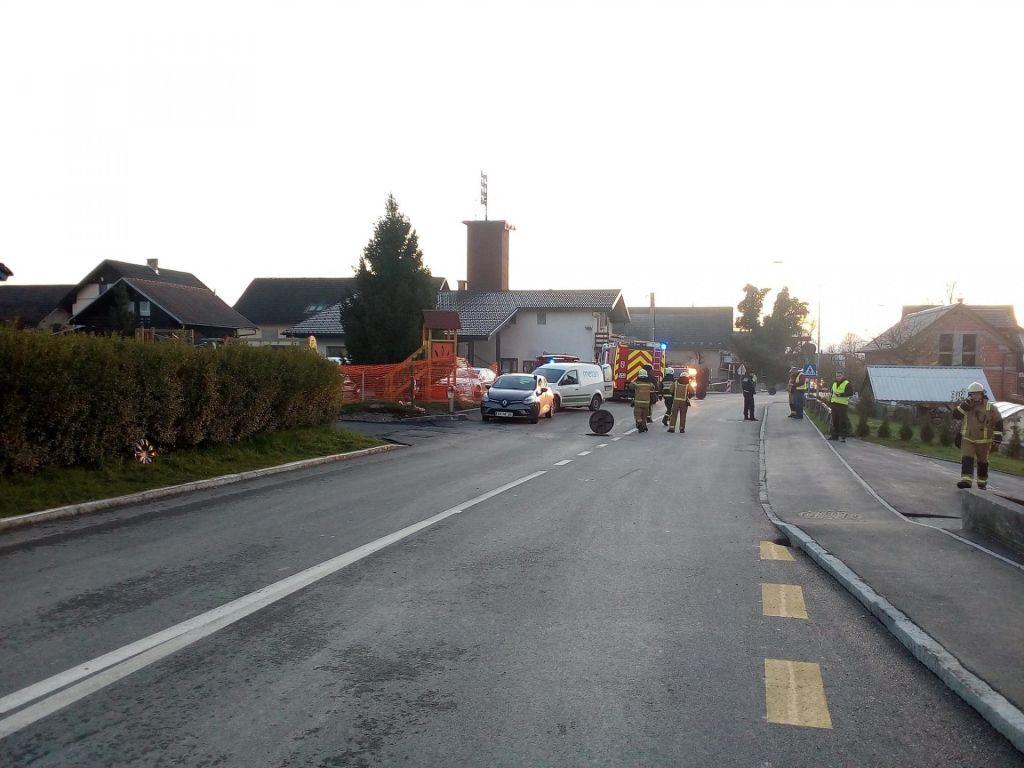 FOTO:Evakuirani stanovalci so se vrnili domov, nihče ni v smrtni nevarnosti