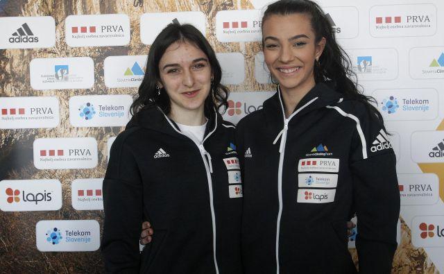 Nista samo tekmici, sta tudi najboljši prijateljici. Mia Krampl in Lučka Rakovec, najstnici, ki sta letos pustili lep pečat v športnem plezanju, si bosta zdaj privoščili posezonski odmor. FOTO: Mavric Pivk/Delo