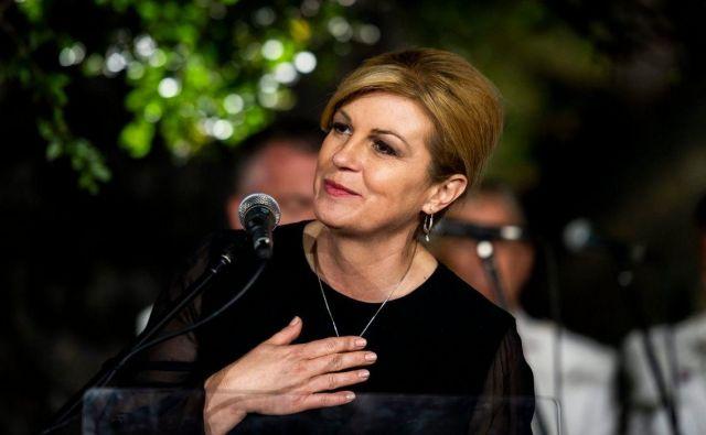 Favoritinja Kolinda Grabar Kitarovićsi nabira točke tudi s »Čokolindo«.Foto: Cropix