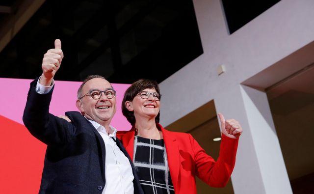 Norbert Walter-Borjans in Saskia Esken sta na čelo SPD prišla z okoli četrtinsko podporo vseh članov stranke. Foto: Axel Schmidt/Afp