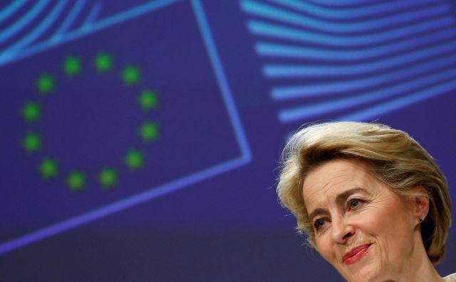 Ursula von der Leyen je prepričana, da lahko EU z zeleno preobrazbo okrepi svoje gospodarstvo. FOTO: Reuters