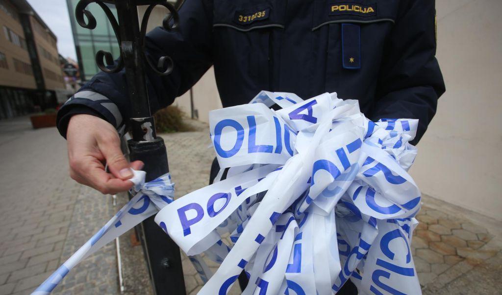 Oborožen rop v središču Ljubljane, neznanci ukradli nakit