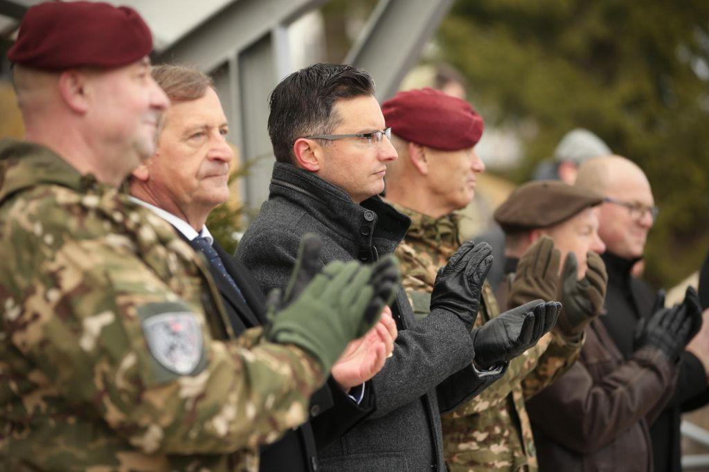 Šarec leti na jug med slovenske vojake