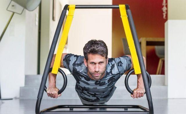 S samo tremi vadbenimi pozicijami lahko naredite več kot z dvajsetimi različnimi klasičnimi vajami. Foto: Arhiv proizvajalca
