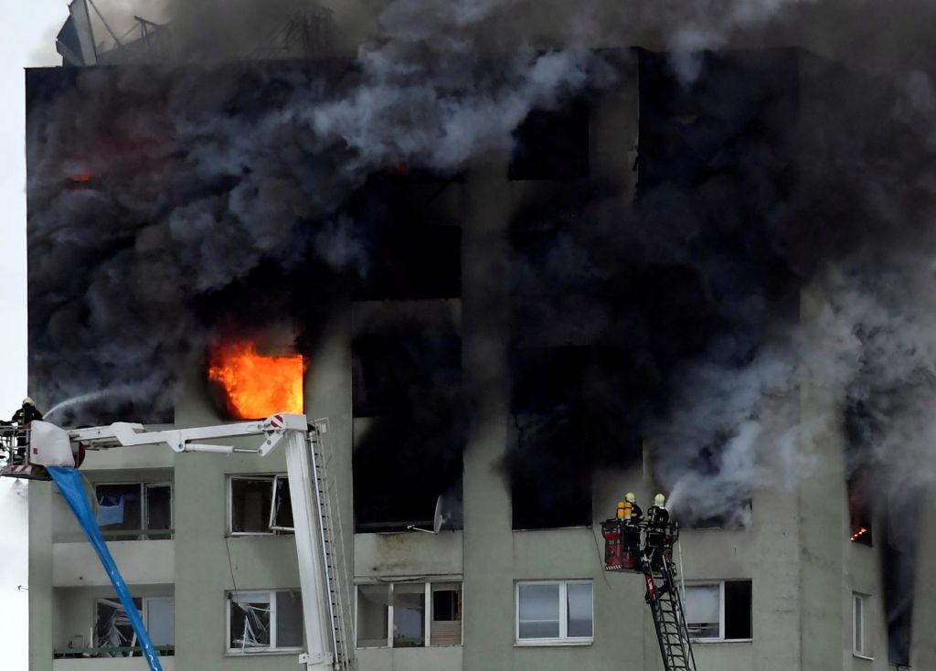 V eksploziji plina umrlo najmanj sedem ljudi, več kot 40 je ranjenih