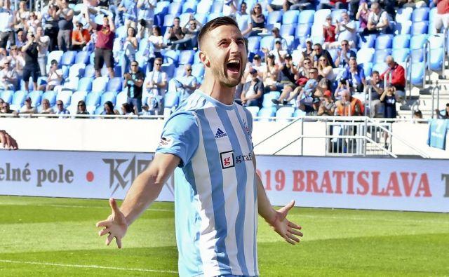 Napadalec Andraž Šporar kotira v tej sezoni pri 19 golih in štirih podajah za gol. FOTO: Slovan Bratislava