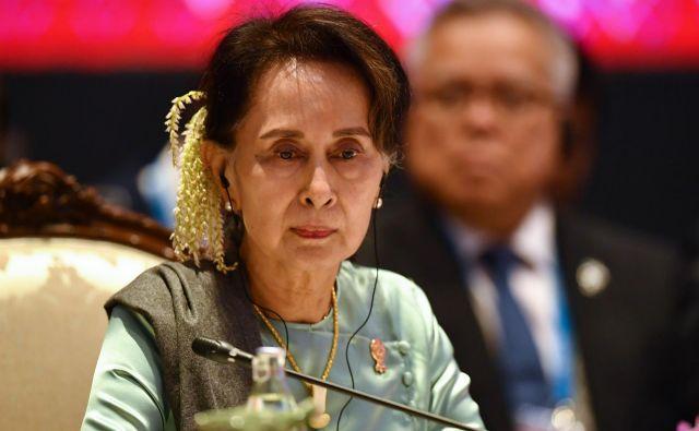 Sojenje bo trajalo leta in med procesom se bo pokazalo, ali Aung San Su Či verjame pričevanjem o velikem kršenju človekovih pravic v južni državi Rakhajn. FOTO: AFP