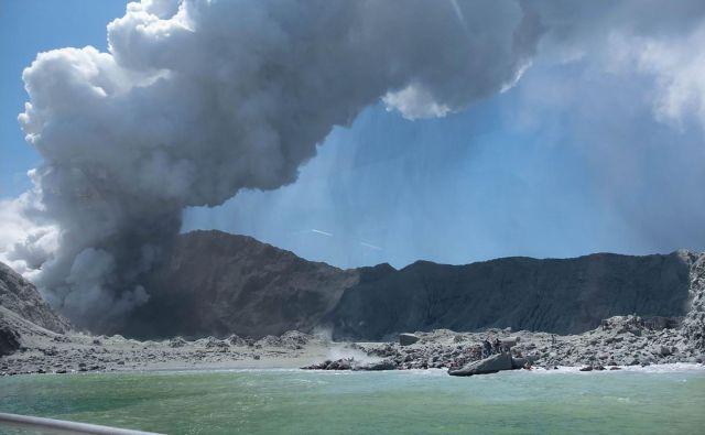 Vulkan na Belem otoku, ki je okoli 50 kilometrov oddaljen od Severnega otoka, je eden najaktivnejših novozelandskih vulkanov.<br /> FOTO: AFP