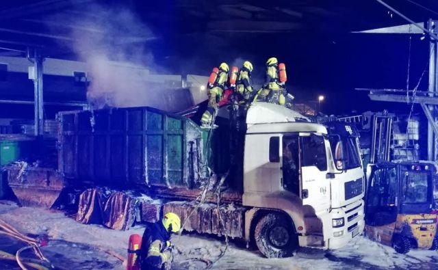 Požar so kmalu omejili.FOTO: Gasilsko reševalna služba Kranj