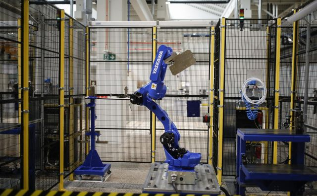 Letos se je zelo povečalo zavedanje o pomembnosti robotizacije in avtomatizacije v procesih. FOTO: Uroš Hočevar/Delo