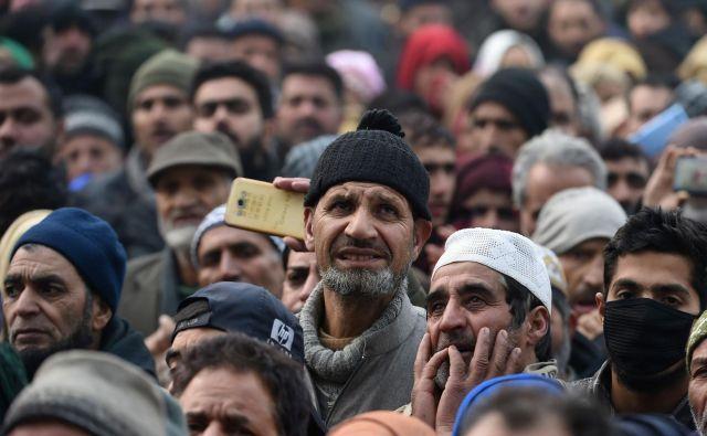 Indijska oblast se obnaša, kot da v državi ne bi živelo 200 milijonov muslimanov, katerih predniki so prišli v Južno Azijo pred skoraj 1000 leti. FOTO: AFP