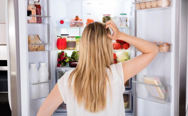 Najpogostejše napake, ki jih delamo uporabniki hladilnikov, so, da nastavimo prenizko temperaturo, hrane ne shranjujemo pravilno in vanj pospravljamo stvari, ki tja sploh ne sodijo. FOTO: Shutterstock