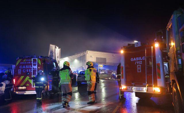 Samo hitri intervenciji gasilcev se gre zahvaliti, da se ni zgodil drugi Kemis, meni predstavnik civilne iniciative Marko Špolad. FOTO: Špela Ankele/Delo