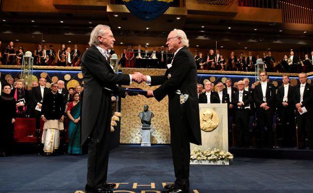 Peter Handke ob prevzemu Nobelove nagrade za literaturo.FOTO: Tt News Agency Via Reuters