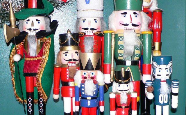 Vzravnani kralji, brkati vojaki in konjeniki so vse pogosteje samo še okrasna božična vojska. Foto Wikipedija