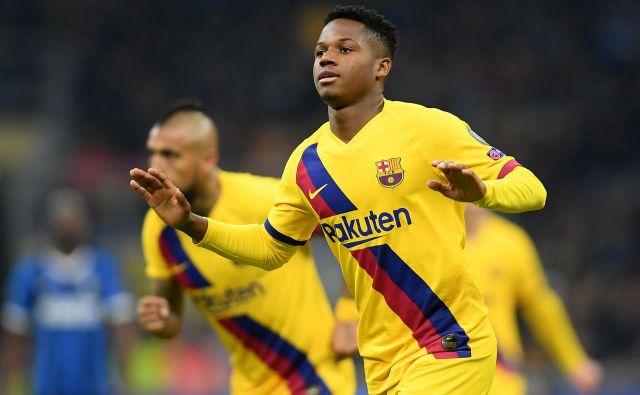 Najstnik Anssumane Fati se je z golom zapisal v nogometno zgodovino. FOTO: Reuters