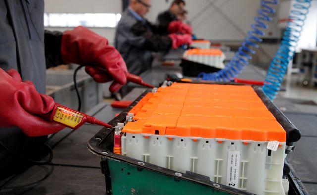 Cena Li-ionskih akumulatorjev se je od leta 2010 zelo znižala. FOTO: Reuters