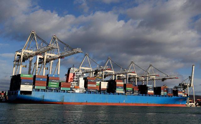 Razvoj pomorske logistike skozi koprsko pristanišče je odvisen od gradnje ustrezne infrastukture. Foto Tomi Lonbar