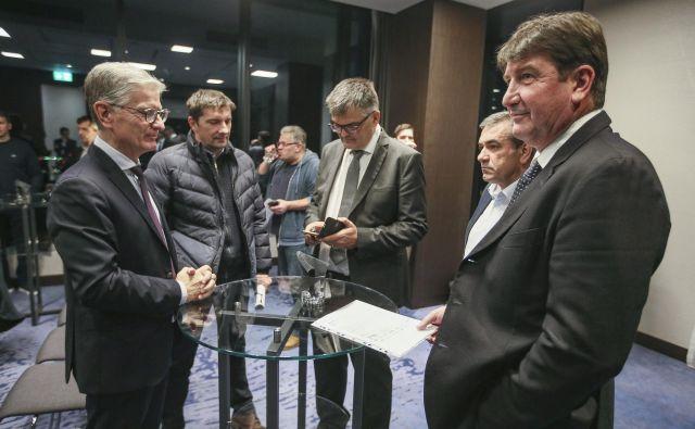 Seja predsedstva RZS je bila v 19. nadstropju hotela Continental. FOTO: Jože Suhadolnik