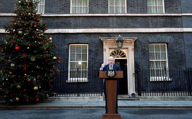 Johnsonu je včeraj uspel veliki met in njegove posledice so jasne: Združeno kraljestvo bo na podlagi volilnega izida čez dober mesec dni uradno izstopilo iz Evropske unije.FOTO: Toby Melville Reuters