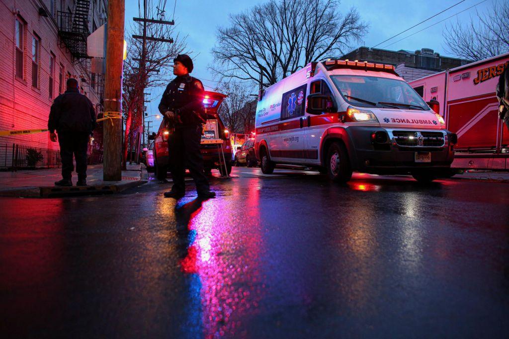FOTO:V večurnem strelskem spopadu umrlo šest ljudi