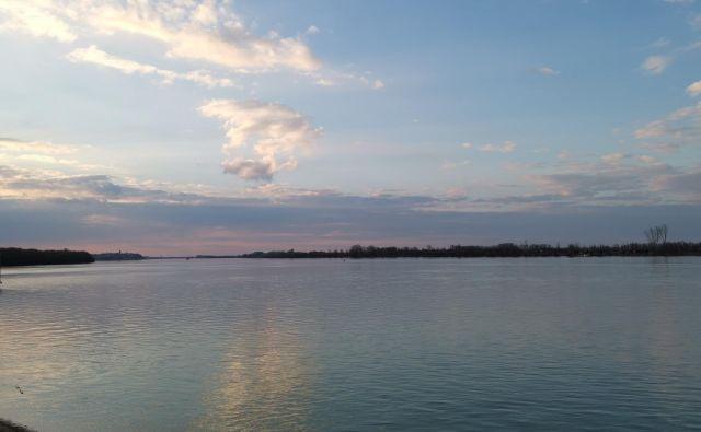 Hrvaška in Srbija se še nista sporazumeli o 145 kilometrih meje na Donavi. Foto Milena Zupanič