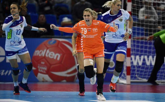 Estevana Polman je za Nizozemke dosegla devet golov in bila junakinja zmage proti Rusiji. FOTO: AFP