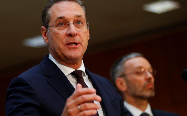 V vodstvu svobodnjakov so prepričani, da za ustanovitvijo odpadniške stranke ne stoji nihče drug kot diskreditirani Heinz-Christian Strache. FOTO: Reuters
