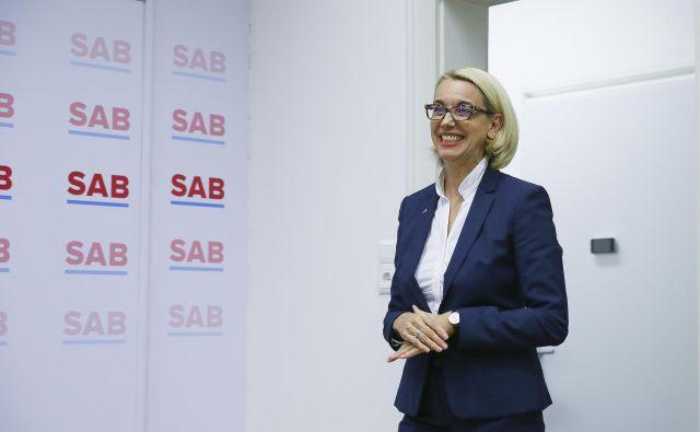 <br /> S pridobitvijo slovenskega državljanstva je <strong>Angelika Mlinar</strong> bliže vodenju Službe vlade za razvoj in evropsko kohezijsko politiko.