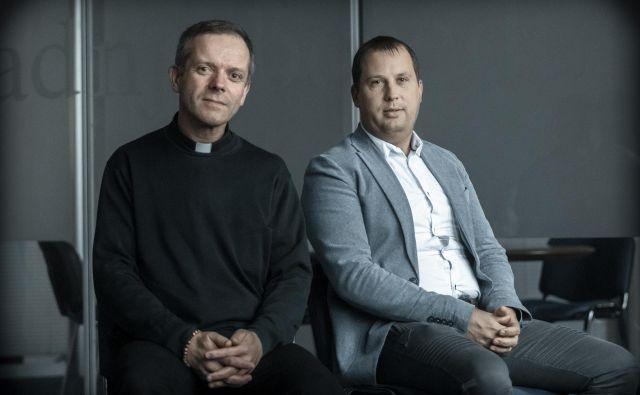 Lazarist misijonar Janez Cerar in Igor Vovk iz Zavoda Iskreni pravita, da so v slabem letu prejeli skoraj štirideset prijav. Na večino so podali kazenske ovadbe.<br /> Foto Voranc Vogel