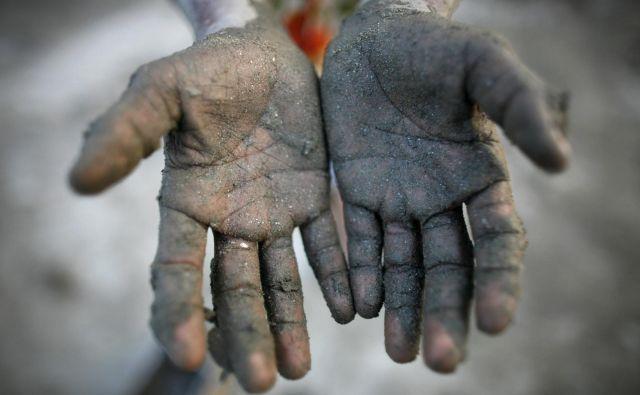 Gibanje pravične trgovine je nastalo zaradi slabe vesti oziroma občutka krivde kolonialnih velesil za izkoriščanje naravnih bogastev in prebivalcev v svojih kolonijah. FOTO: Andrew Biraj/Reuters<br />