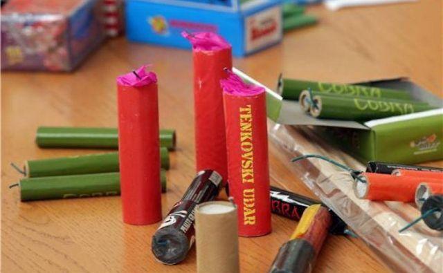 Uporaba pirotehničnih izdelkov kategorije 1, katerih glavni učinek je pok, je dovoljena le od 26. decembra do 1. januarja. FOTO: Reuters