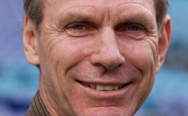 Snell, ki je za časa svojega življenja pridobil tudi plemiški oziroma viteški naziv sir, je na olimpijskih igrah leta 1964 v Tokiu osvojil redek dvojček zmag v teku na 800- in 1500-metrskih razdaljah, s čimer se je vpisal v zgodovino atletike. FOTO: Mark Baker/Reuters