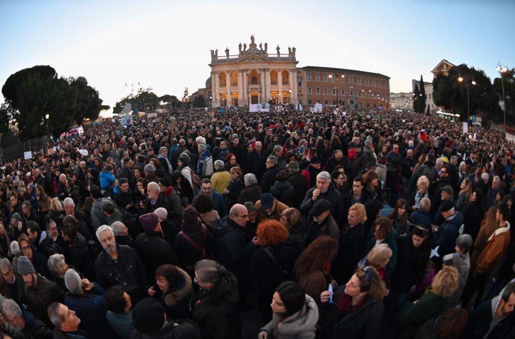 FOTO:Sardine Salviniju: »Rim se ne bo ujel na trnek«