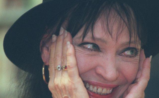 Anna Karina je leta 2000 v Ljubljani v Cankarjevem domu nastopila skupaj z mojstrom novega francoskega šansonaPhilippom Katerinom. FOTO: Voranc Vogel/Delo