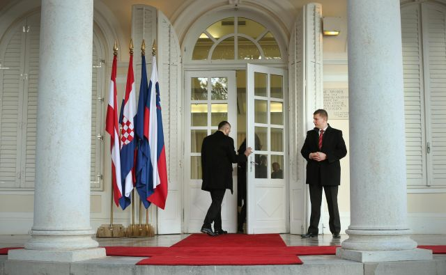 Zadeva Slovenije proti Hrvaški je ena od tistih, v katerih se mednarodno pravo neizogibno prepleta z evropskim. FOTO:Jure Eržen/Delo