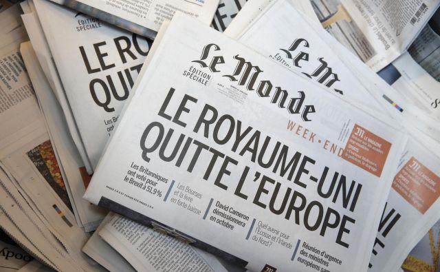 Naslovnica Le Monda z uvodnim naslovom Združeno kraljestvo zapušča Evropo. FOTO: Reuters