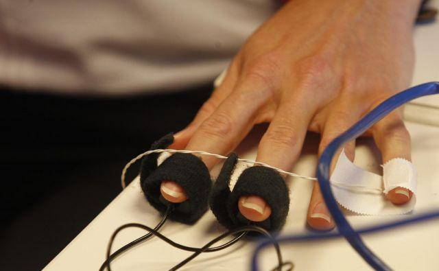 Pogoj za uporabo na nacionalni ravni je, da so naprave registrirane kot medicinski pripomočki. Foto Tomi Lombar