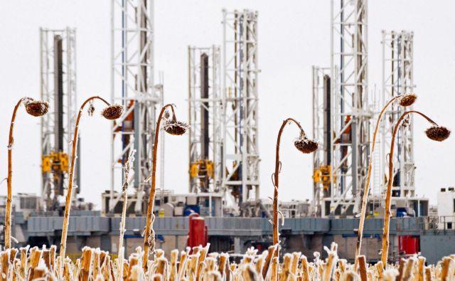 Fraking je okoljsko zelo sporna metoda pridobivanja nafte, vendar je ZDA prvič v zgodovini prinesel položaj neto izvoznice črnega zlata. FOTO: Reuters