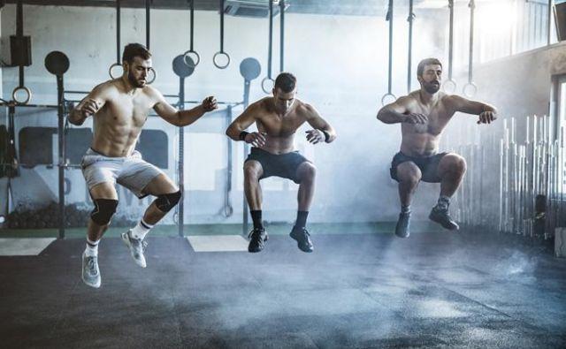 <strong>HIIT</strong>, kar pomeni kratke, od 20 do 90 sekund dolge intervale intenzivnih kardio vadb, je časovno učinkovita alternativa za vadbo, ki prinaša napredek. Foto: Shutterstock