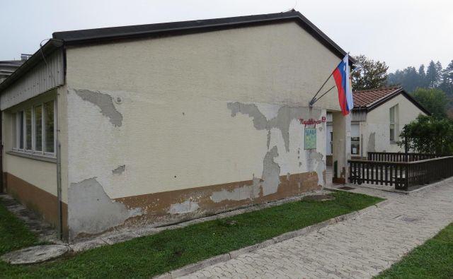 Litijani, ki so se leta 1991 množično odzvali klicu domovine, si sredi mesta sesutega vrtca ne zaslužijo. FOTO: Bojan Rajšek/Delo