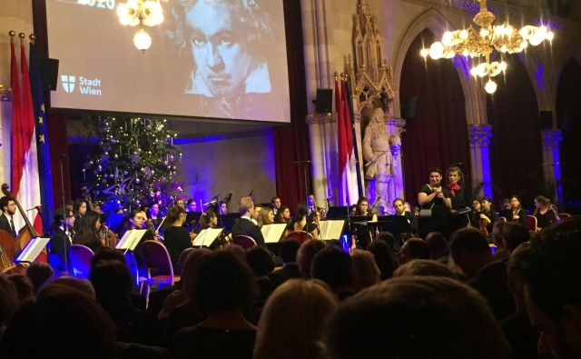 Dunajska zasebna univerza za glasbo in umetnost je v programu otvoritvenega večera programa WienBeethoven2020 sodelovala s študenti oddelkov za gledališče in jazzisti. Foto Andrej Predin