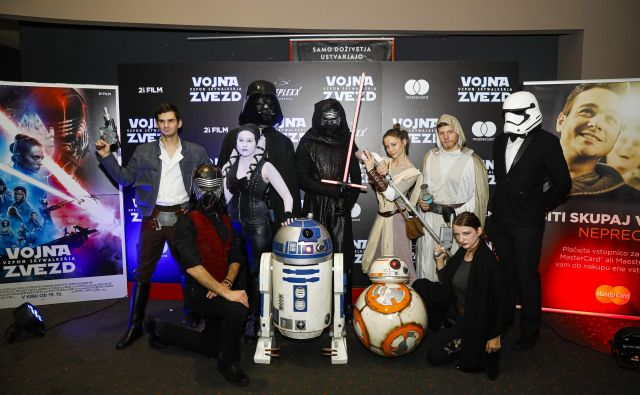 Pred premiero smo se lahko fotografirali s svojimi junaki. FOTO: Mediaspeed