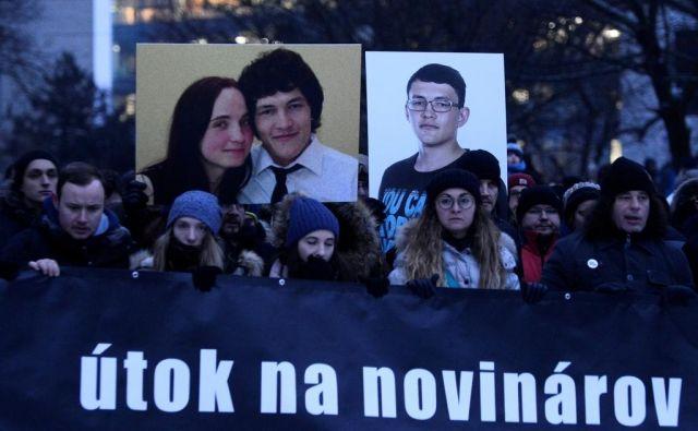 Umor Jána Kuciaka je odmeval doma in v tujini. Protesti so se vrstili po vsej Slovaški. FOTO: Reuters