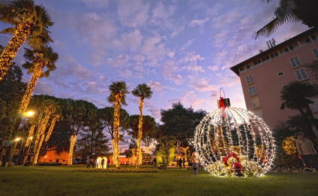 Park sv. Jakova v Opatiji zasije decembra v najlepših prazničnih barvah. FOTO: Petar Kürschner/TZ Opatija