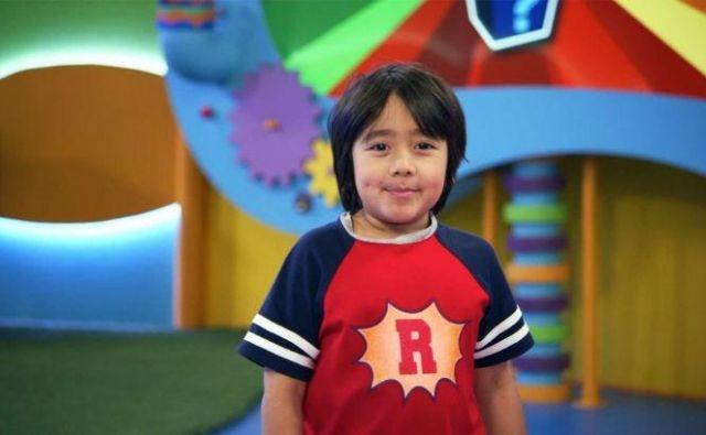 Osemletni Ryan Kaji si je z igranjem letos zaslužil 23 milijonov evrov. FOTO: Youtube
